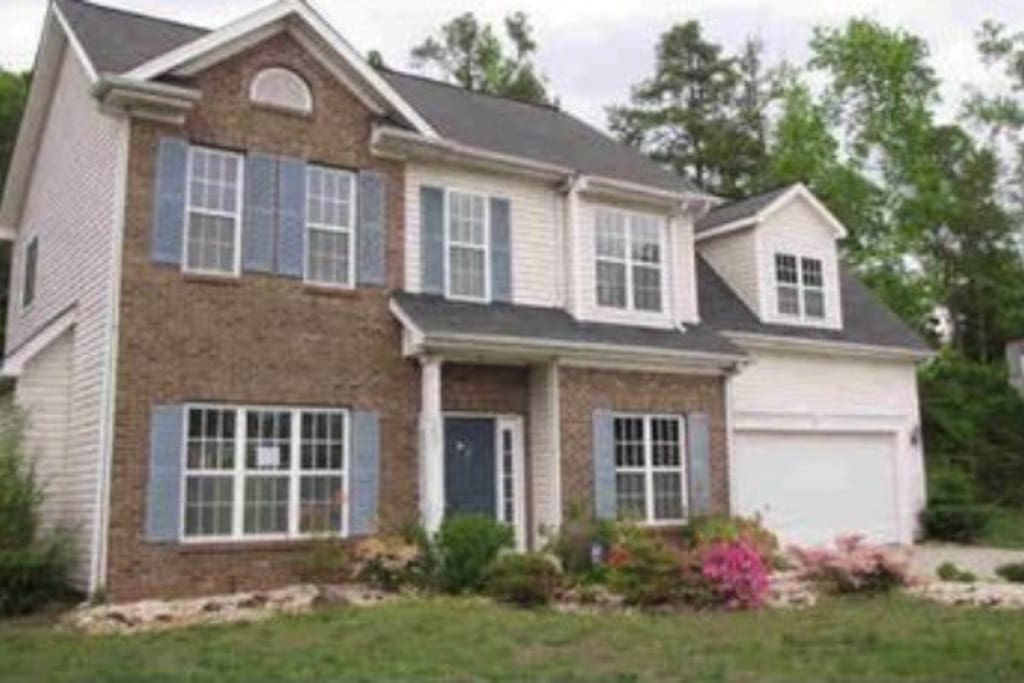 Beautiful 3br 2 5ba Home Near Unc Charlotte Houses For