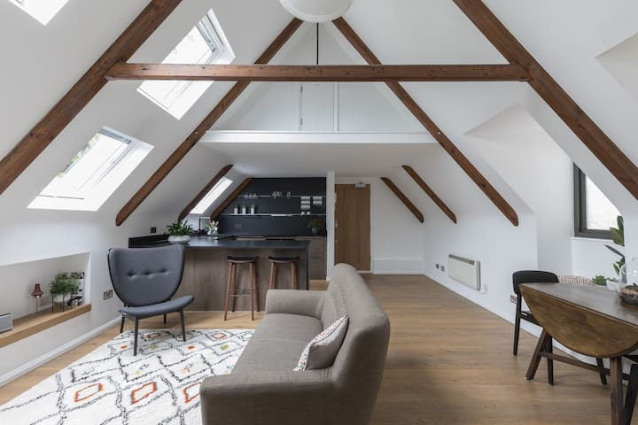 Chapel Loft Apartment Inc. parking (near Gatwick)
