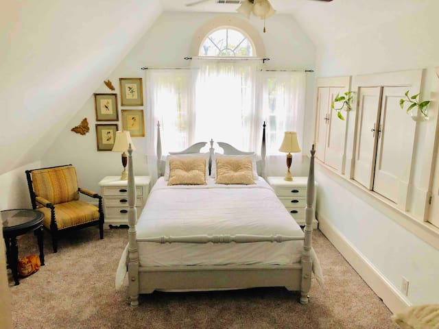 BOOK WITH US!!  TRUE D/T AIRBNB *Not fake news*