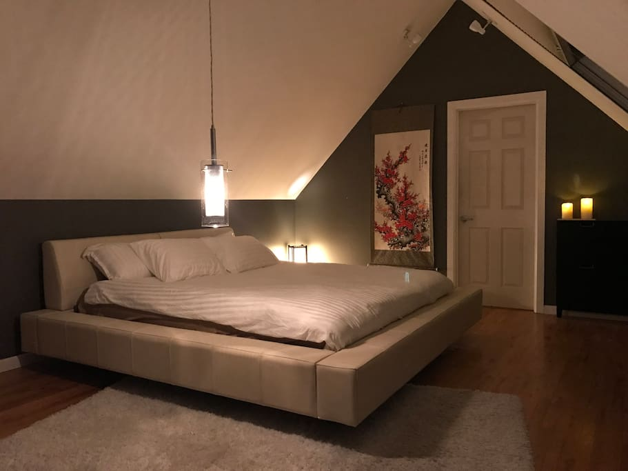 Loft Guest Room 1 / King Size Bed