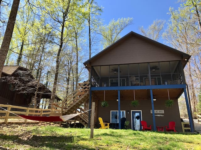 Fenced Lakehouse on  Tims Ford Lake Pet Friendly - Winchester - Casa