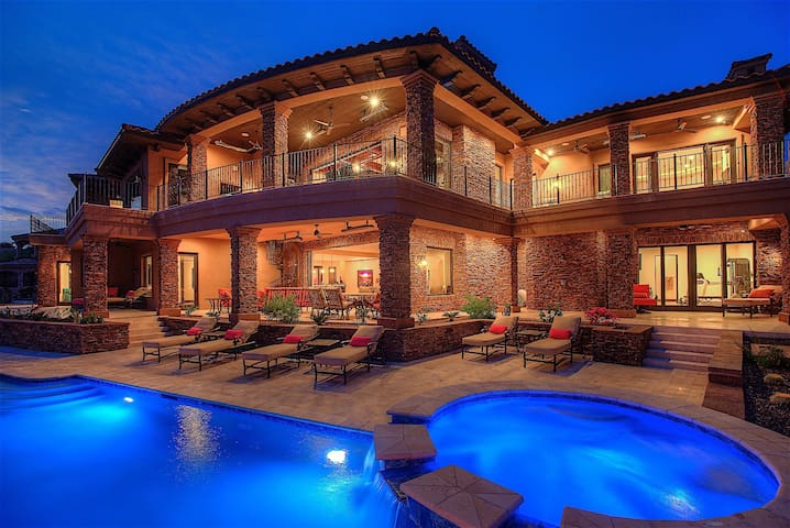 Palisades Estate Top Luxury Estate Fountain Hills 5 BR/ PVT Pool
