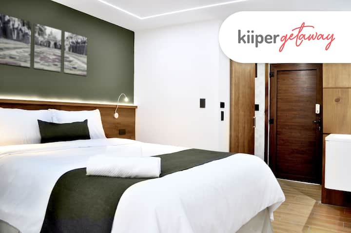 kiiper | Cozy Suite with Jacuzzi | 2 PPL
