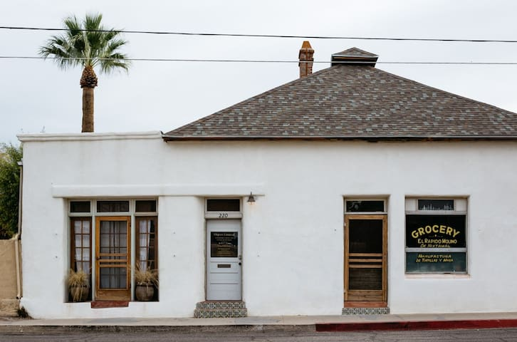 Historic Adobe 3br Home in Downtown / El Presidio
