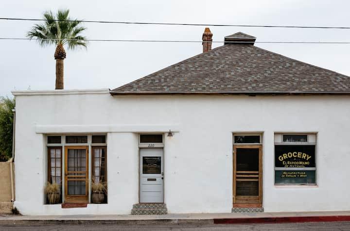 Historic Adobe 3br Home in Downtown / El Presidio