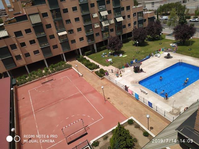 Apartamento atico con terraza, piscina y gim