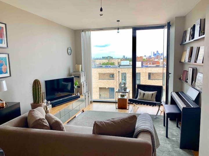 5* location, luxury city penthouse, stunning views