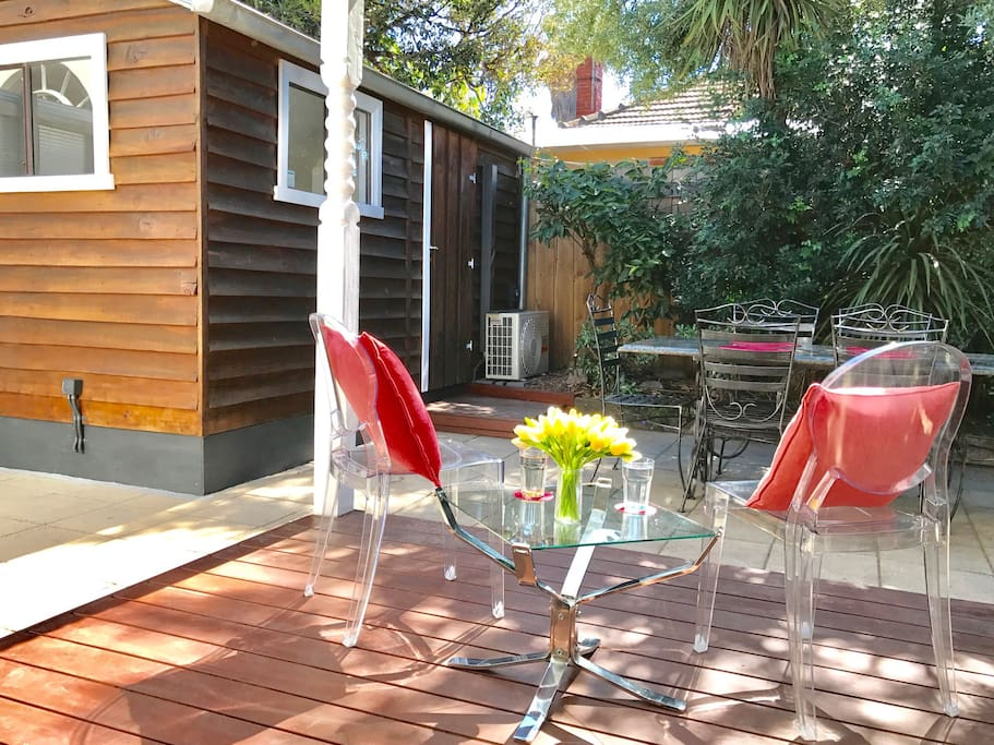 Enjoy a drink or two on the under-cover deck. North-facing so it gets sunlight all day.