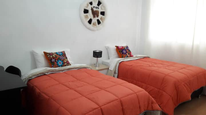 Cozy & Clean bedroom Close to Miraflores boardwalk