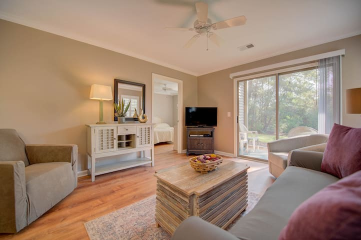 Come Play Around in this Ground Floor Beautiful Condo at True Blue Golf Resort