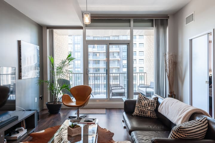 Luxury Loft in Uptown Waterloo (1200 square feet)