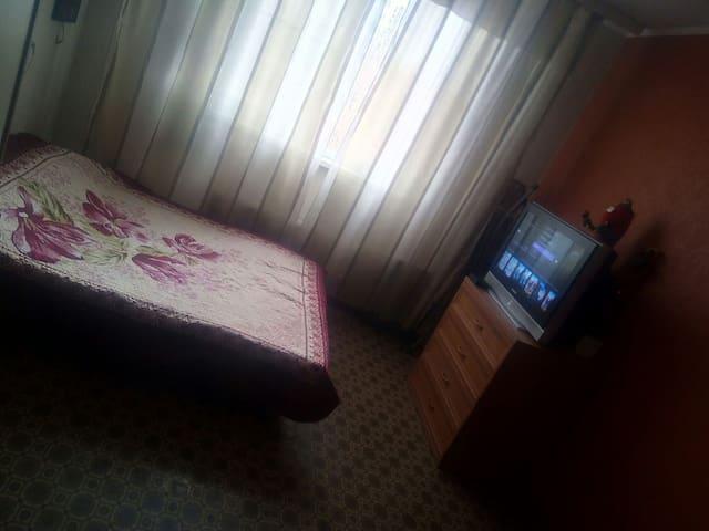 Уютная квартира - Tolyatti - Apartment