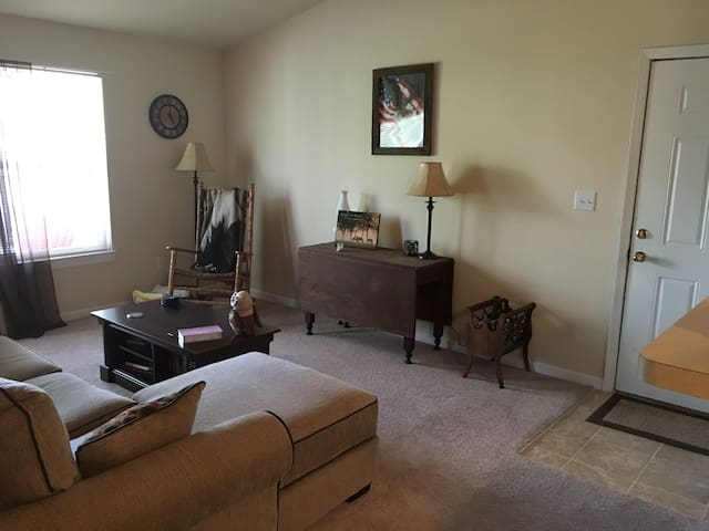 Nice Apartment Close to Speedway - Brownsburg - Apartament