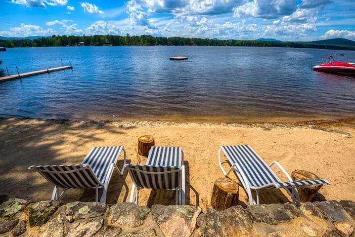 Ossipee Lakefront Home, Pet Friendly And Hot Tub!