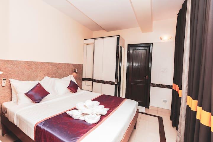 i Comfort Hotel Room- Infantry Road- Bengaluru