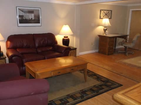 Comfy corporate apartment in Caribou