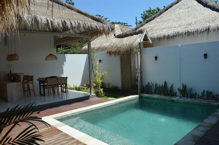 Villa Kayu : New 2 BR Villa with Private Pool