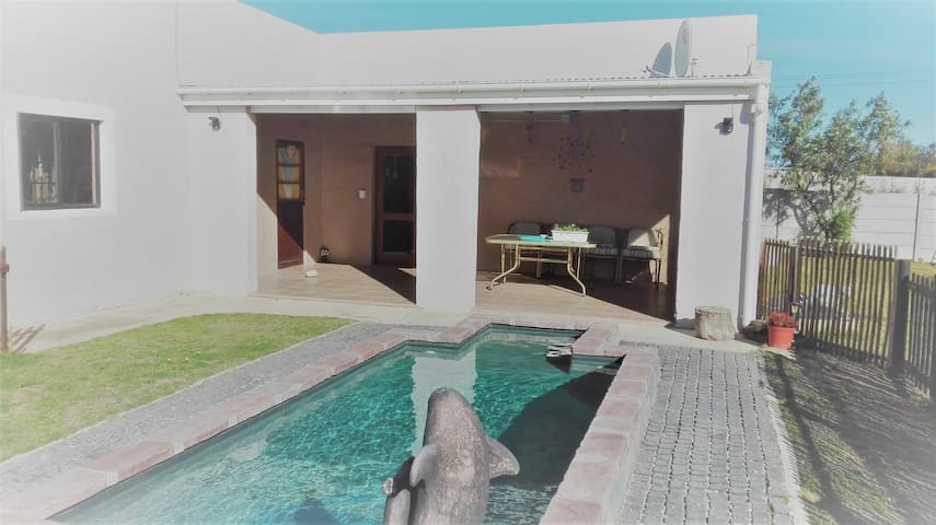 BLOSSOM TREE, SELFCATERING, FISHERHAVEN, HERMANUS