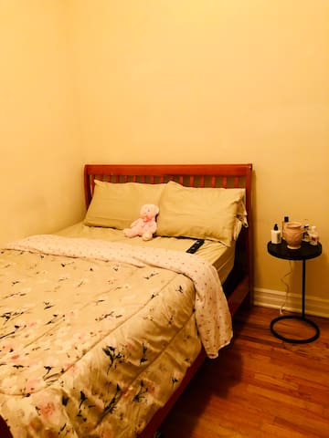 Comfy Private Room 10 mins away from Central Park