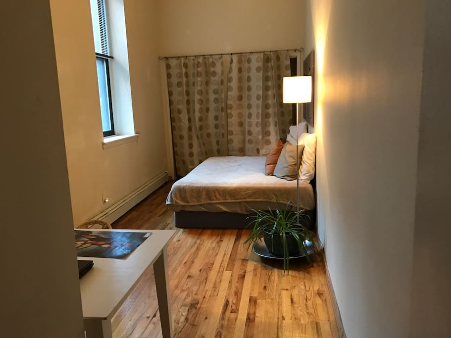 Private, quiet and sunny Bedroom