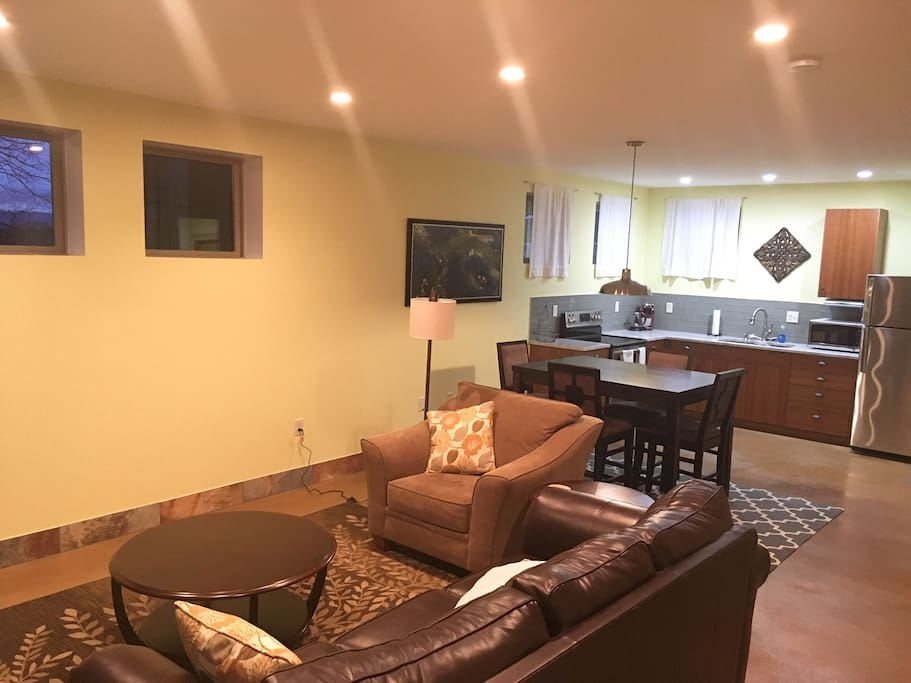 Relaxing 1 Bedroom Apt Near Downtown And Unca Apartments For Rent In Asheville North Carolina