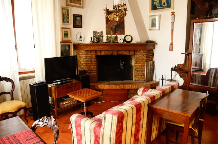 Old Town: Historic 18th century apartment - Jesi - Daire