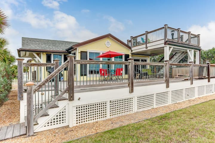 333 Ocean:  Oceanfront home and awesome location near parks and restaurants