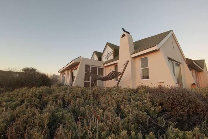 88 Sunbird - Sea Facing - Beach House
