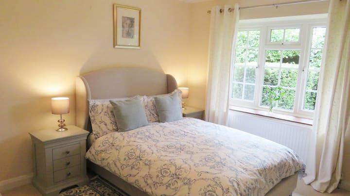 Wood Lodge Hot Tub Self-Catering, Great Braxted