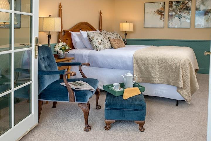 Marrowstone Room - Ravenscroft Inn