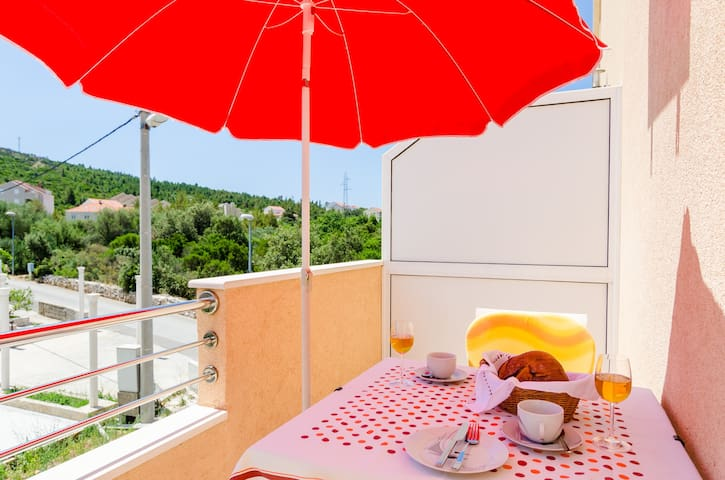 Guesthouse Somnium - Studio with Balcony