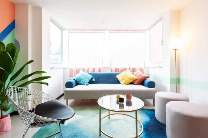 Memphis Dream- Live Colorfully in heart of Condesa