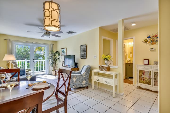 A BAREFOOT RETREAT Tropical Home, Truman Annex, Family Friendly, Shared Pool