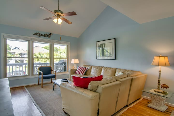 Premium Cleaned | Spacious seaside home w/ community pool access- walk to beach, shops & dining!