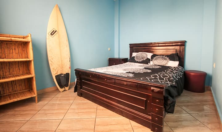 Petit surfer TAMA Room Bed Double