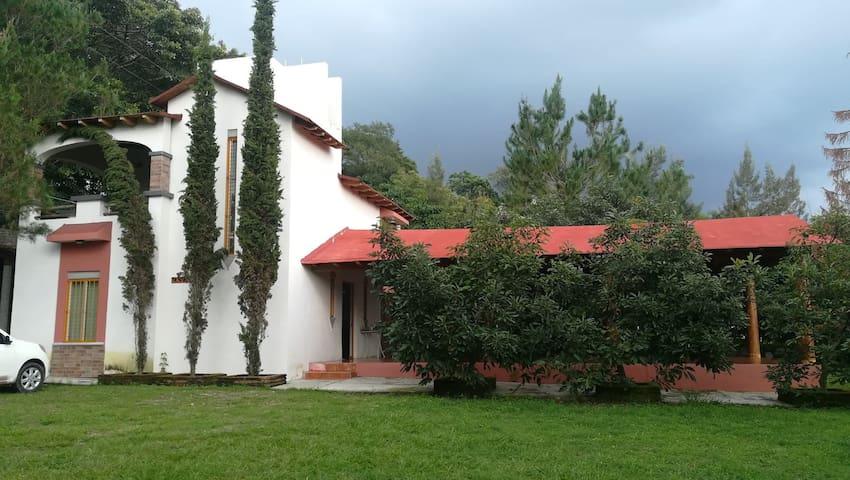 Cabaña la Luna - Cofradía de Suchitlan, Comala-Col