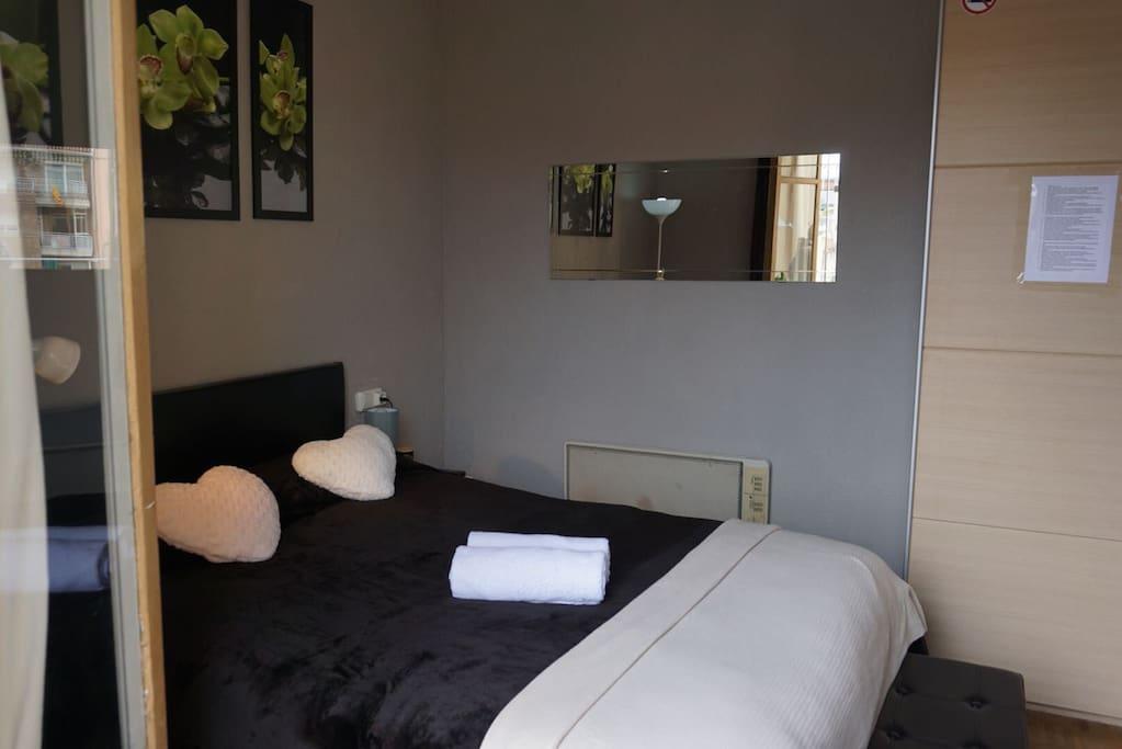 Carolinahouse 1 appartamenti in affitto a barcellona for Appartamenti barcellona affitto vacanze