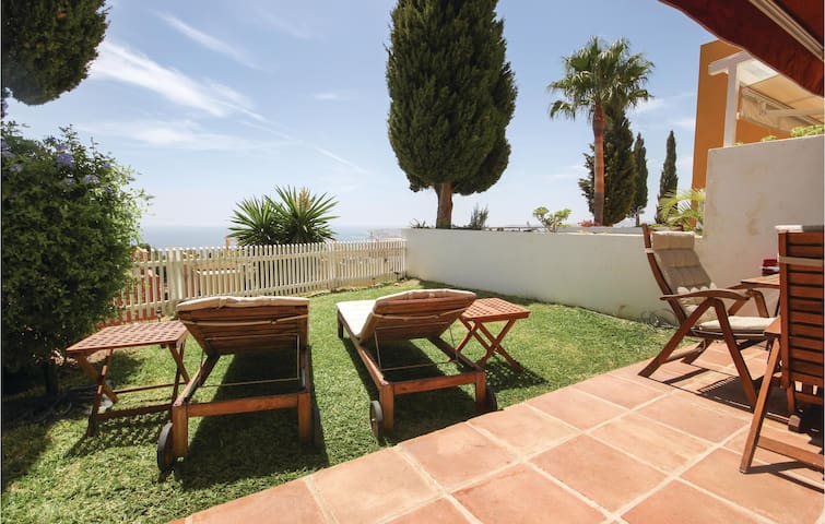 Terraced house with 3 bedrooms on 95m² in Benalmadena
