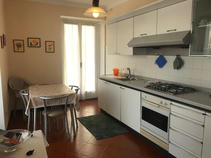 New Esperia Apartament (Amore)