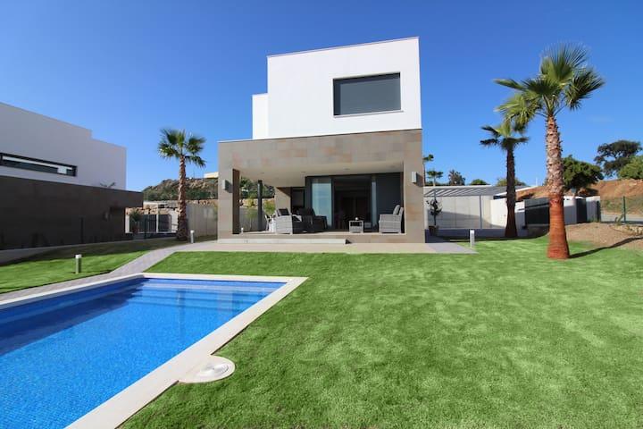 Splendide villa 4 chambres avec piscine Manilva