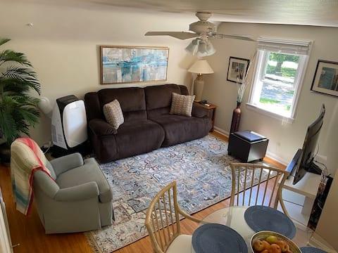 Sunlight Splendor Suite at Twin Oaks Inn