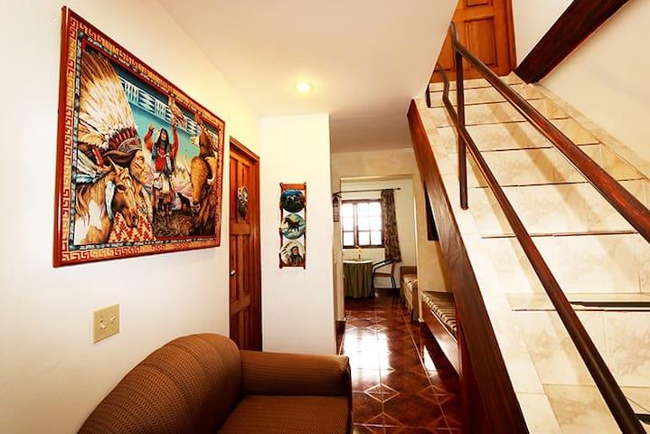 Tenessi @ Aparthotel Los Pinos