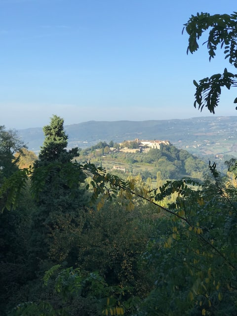Cute House in Central Todi with Wonderful Views