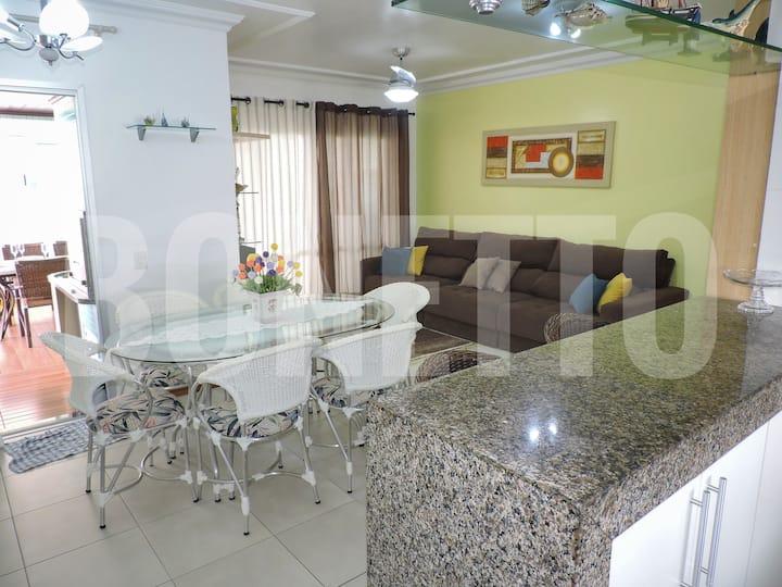 Ap. c/ excelentes condições e localidade em Caiobá