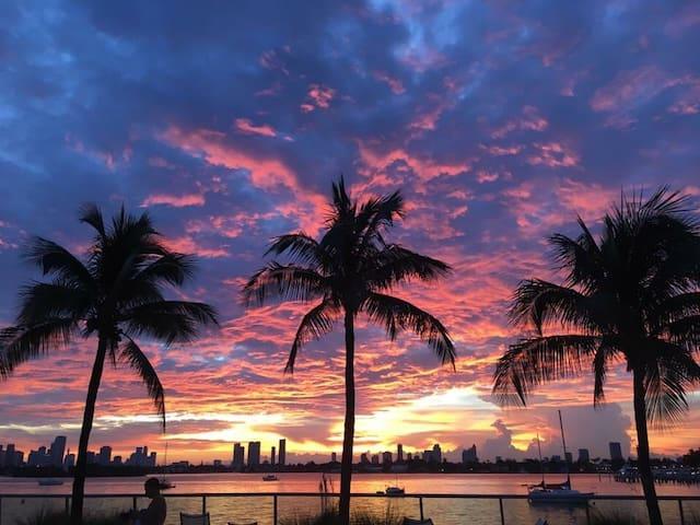 Water view parking free - Miami Beach - Appartamento