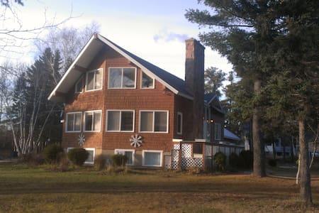 Belle grande maison pour réunions de familles
