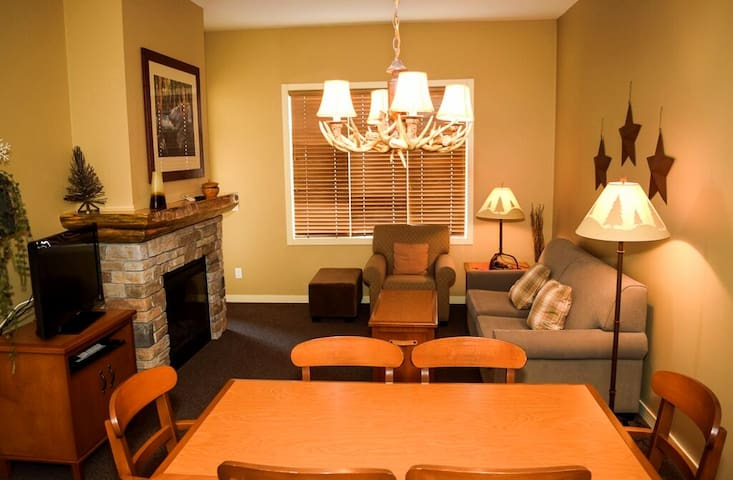 Big White Impressive 1 Bedroom Club Suite - Kelowna - Condo