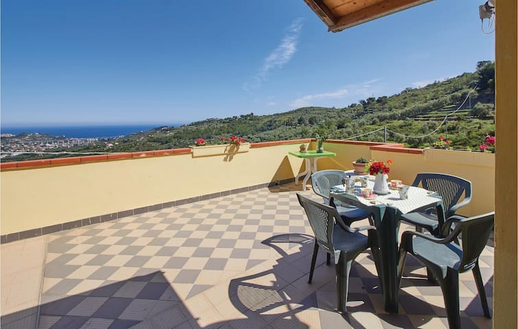 Holiday apartment with 1 bedroom on 60m² in Imperia