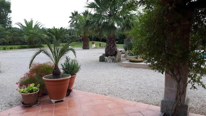 Beautiful, secluded villa in Cutrofiano