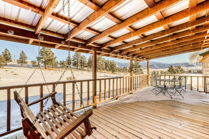 Beautiful cabin home with lovely views, covered deck, and large kitchen!